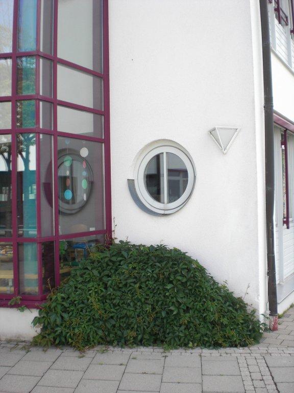 Grossansicht in neuem Fenster: rundes Fenster